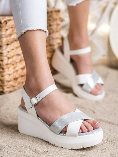 SMALL SWAN Stylové  sandály bílé dámské na klínku velikost 37