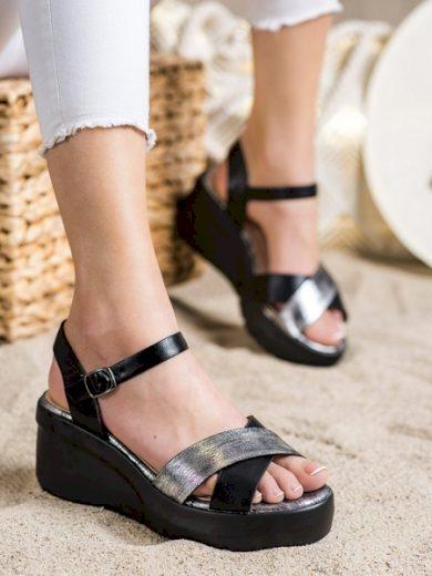 SMALL SWAN Designové černé dámské  sandály na klínku velikost 36