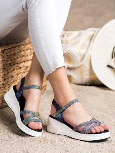 SMALL SWAN Krásné  sandály dámské modré na klínku velikost 36