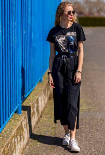 Devergo dámské tričkové šaty s abstraktním potiskem černé