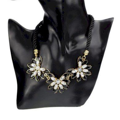 Masivný černý květinový náhrdelník Lifestyle F635214