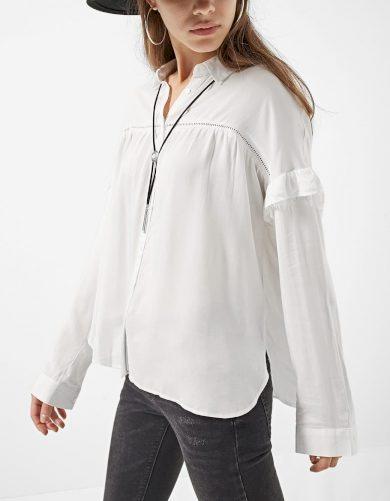Bílá košile s volánky Stradivarius