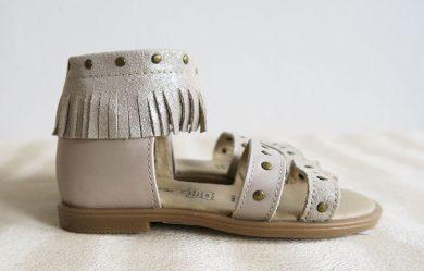 Dívčí boty- sandály s třásněmi Orchestra