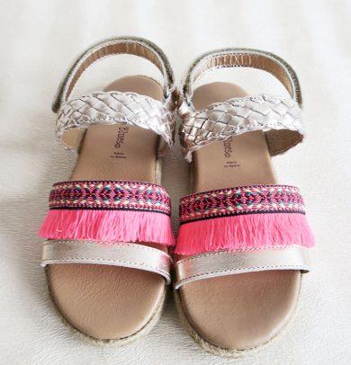 Dívčí sandály s růžovou třásní Orchestra