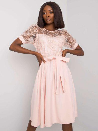 Světle růžové elegantní šaty s páskem -LK-SK-508153.25P-light pink Velikost: 42