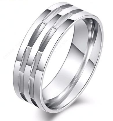 Stříbrný masivní prsten hranatého vzhledu z chirurgické oceli SR000090