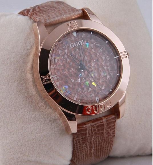 Světle hnědé náramkové hodinky s křišťály GUOU