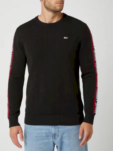 TOMMY JEANS pánský černý svetr s dlouhým rukávem TJM SLEEVE TAPE SWEATER