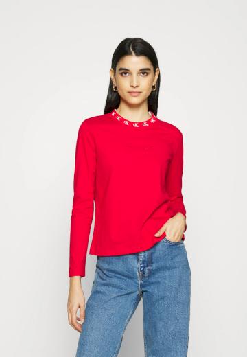 Calvin Klein dámská červená mikina CK LOGO TRIM NECK CN